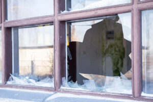 How to Clean Vinyl Windows Frames